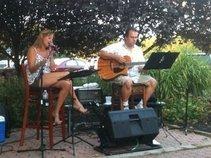 Roberta & Chris (Acoustic Duo)