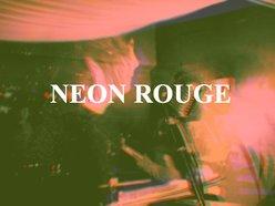 Neon Rouge