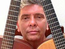 CARLOS GAVIOLA