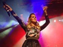 Vanessa Hunt Vocalist