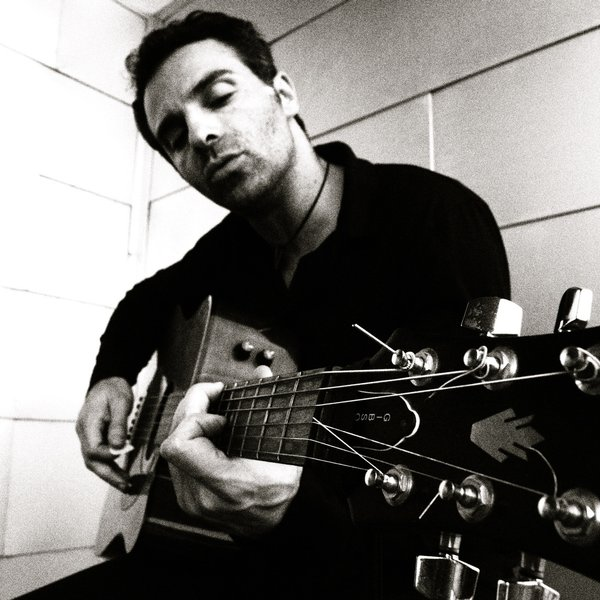 Картинки по запросу colantonio raphael guitar