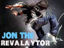 Jon The Revalaytor