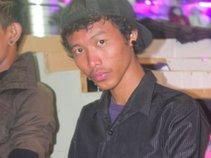 Arief Wiguna [AW]