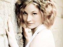 Rebecca Chambers