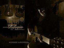Alfonsomayorgaguitarsoloplayer