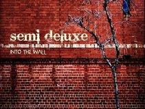 Semi Deluxe