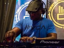 Jay James [DJ2Ten]