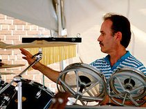 "John Kearns & ""The Buzz Band"""