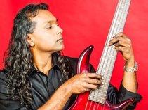 Andy Narsingh Bassplayer/Vocalist (Dave Barrett Trio) (Juggernaut Band)