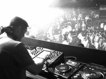 DJ Snow