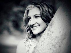 Megan Lee Singer/Songwriter