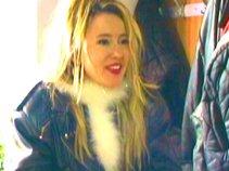 Laura Fay