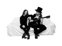 Hilary Thavis & Gaia Groove