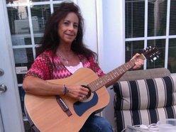 Lisa Huffman Skinner/Artist/Songwriter