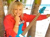 Cyndi Burger, One-Girl Band