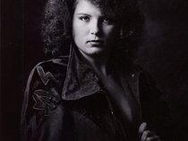 Lori Lynette