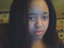 Pretty Girl Q