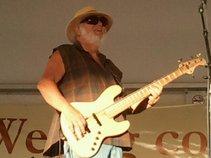 Tom Arndt (bassguitom)
