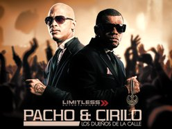 Pacho y Cirilo Official