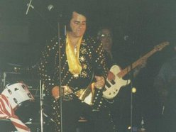 Elvis Tribute Artist>   BILLVIS
