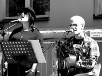 Froid & Rose Acoustic
