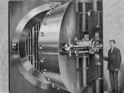 Sleezyloo-The Vault Page
