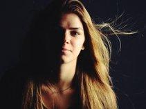Annika Grace