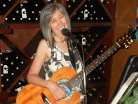 Mary Lee Vocals & Guitar