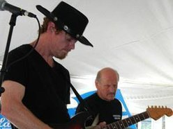Double Barrel Blues Band/Mark Cloutier