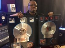 Multi-Platinum Producer Tizone(Mixing, Mastering Engineer)