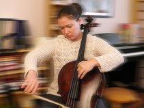 Deryn Cullen - Cellist