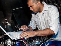 DJ GREEN
