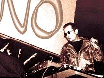 Glaufx Garland & Eleni von Mondlicht Lux Electronica Music LEM