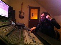 Ash Maklad- Producer / Writer/ Mix Engineer