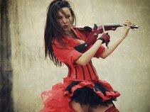 Cait Lin - Electric Violinist
