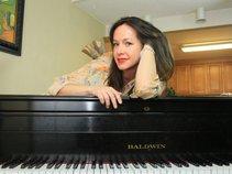 Amy Gwynn