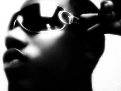 Manny. | singer. songwriter.