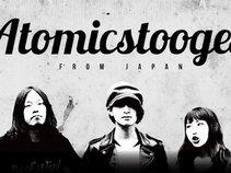 Atomic stooges