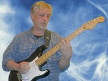 Neil Ryder - Monoperson Backing Group and/or Rhythm Guitarist