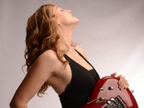 Lindy Day (Female Lead Guitarist)