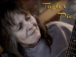 Taylor Pie