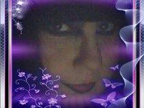 DJ Flowerdove - Lora Louise Jones