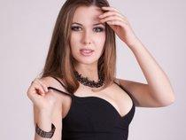 Ksenia Yes
