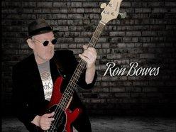 Ron D Bowes
