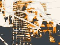 ALAN GOWA - GUITAR/SYNTH AND LOOPS