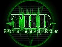T.H.D. (Tötal Harmönic Distörtion)