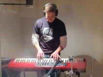 Dan_Thomas_music