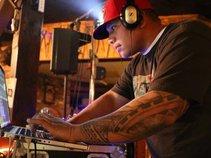 DJ POLYVIBE