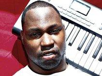 DJ KraQ