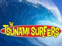 Tsunami Surfers